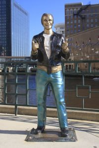 the-fonz-milwaukee-united-states+1152_12842279122-tpfil02aw-22437