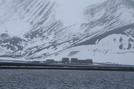 feb6_remains-whalingfactories-desolationisland