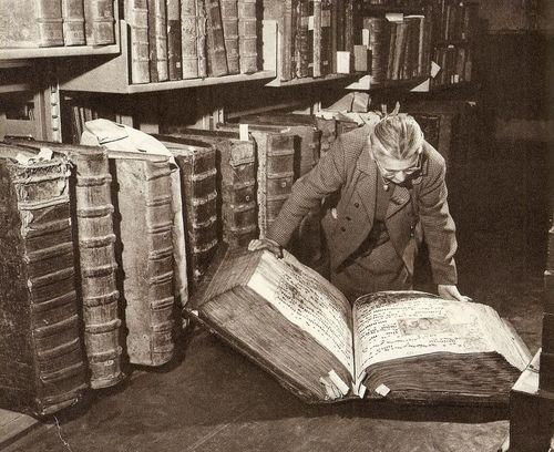 giant_book_m_peterka